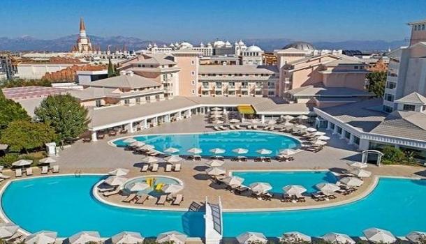 На курортах Турции начали действовать новые правила обслуживания туристов