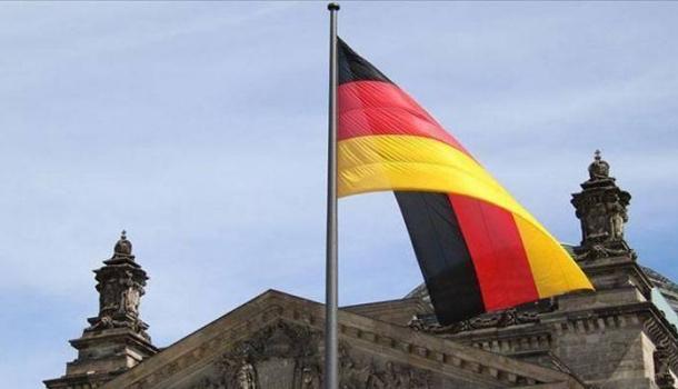 Almanya aşı olmayan tatilcilerden 1 Ağustos'tan itibaren Kovid-19 testi isteyecek
