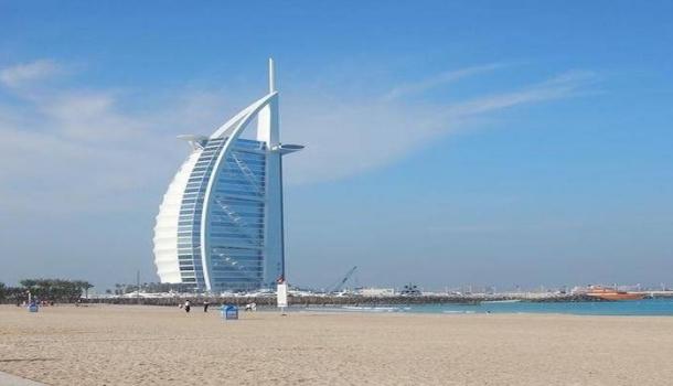 Дубайский «семизвездочный» отель Burj Al Arab впервые открылся для экскурсионных групп